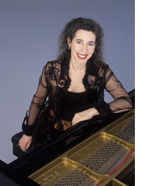 2011 Angela Hewitt