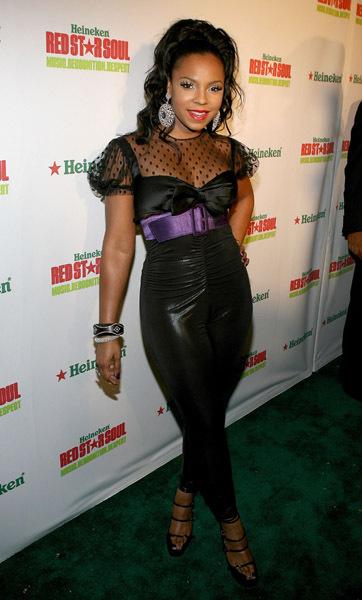 Show 2011 Ashanti
