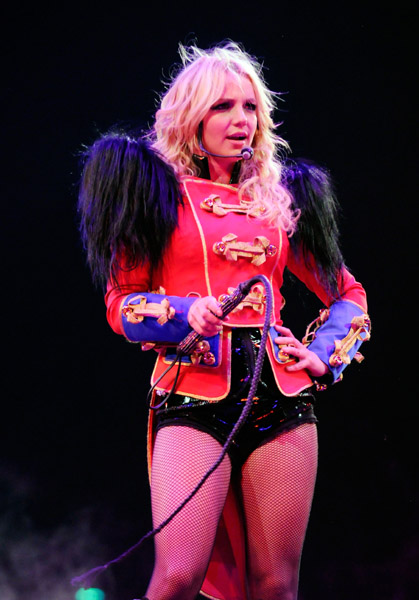 Dates Britney Spears 2011