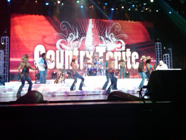 Country Tonite Concert