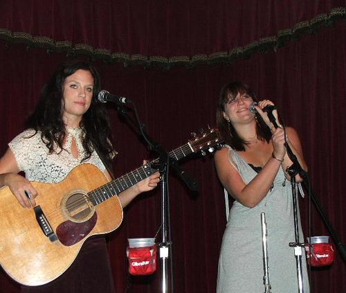 Show Ginn Sisters 2011