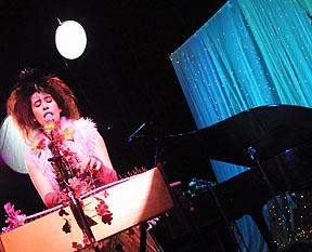 2011 Show Imogen Heap