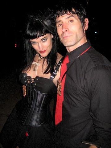 Dates 2011 Janes Addiction Tour
