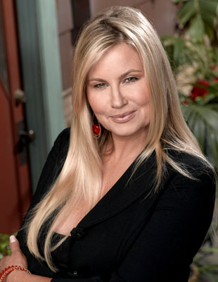 Jennifer Coolidge Concert