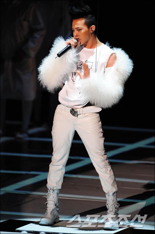 Ji Yong Show 2011