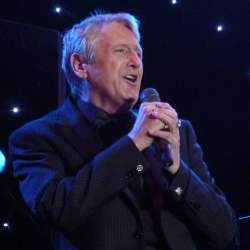 2011 Joe Longthorne