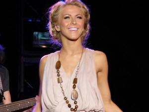 Dates 2011 Julianne Hough