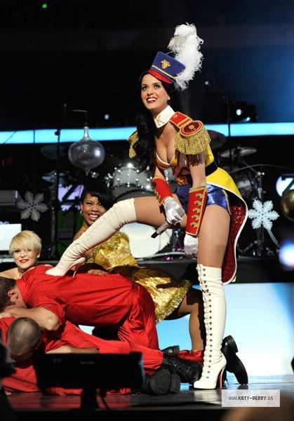 2011 Show Katy Brand