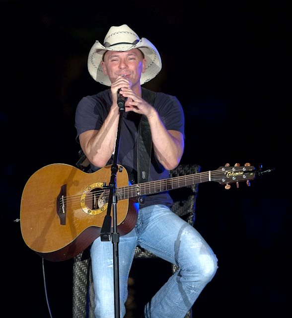Show Tickets Kenny Chesney
