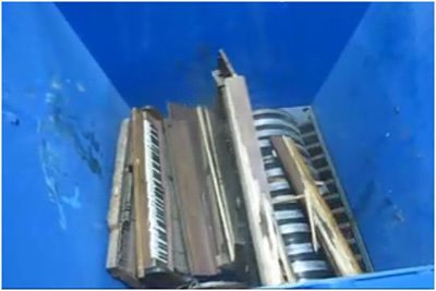 Show 2011 Like Pianos Crashing