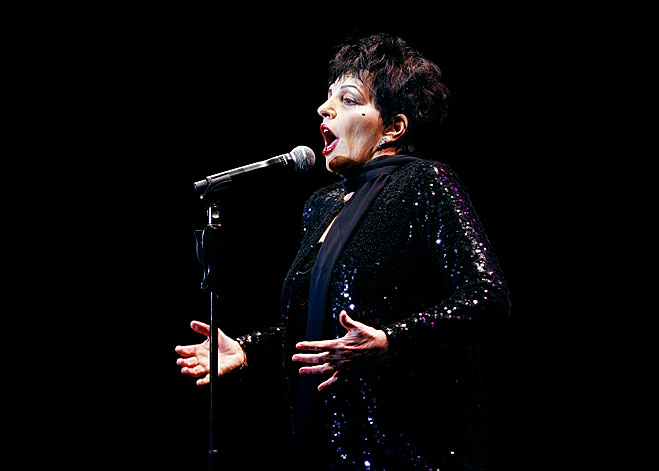 Dates Liza Minnelli 2011