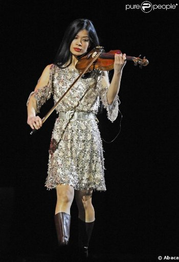 Show Mae 2011