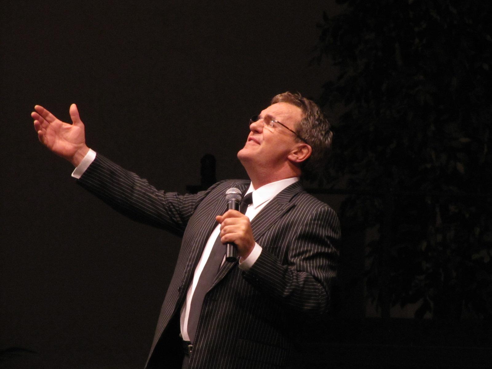 2011 Mark Lowry