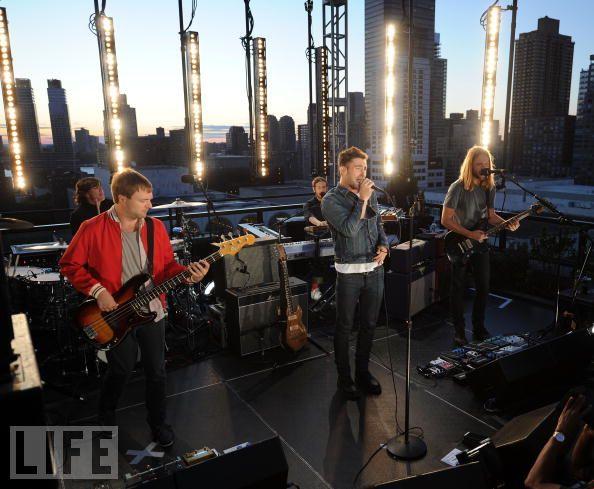 2011 Show Maroon 5
