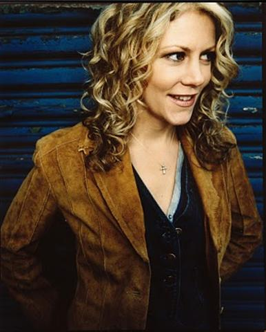 2011 Natalie Macmaster Dates