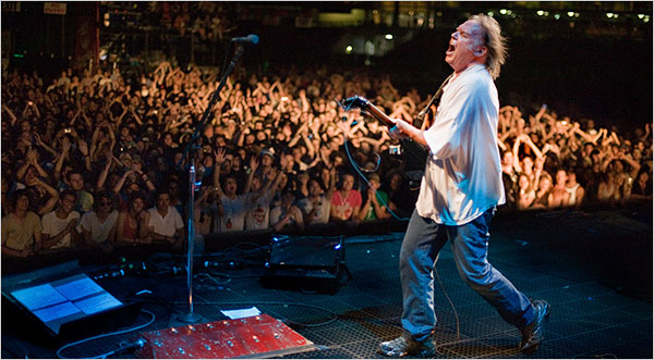 Neil Young The Chicago Theatre Tickets Neil Young April