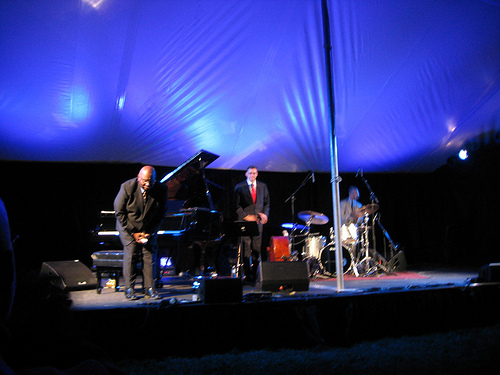 Tour Oliver Jones Trio 2011 Dates