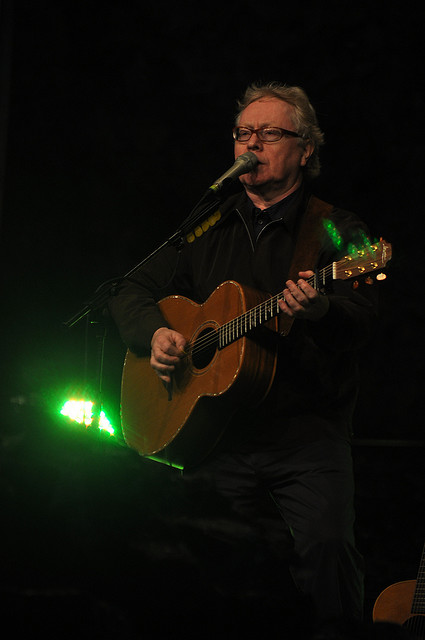 2011 Dates Paul Brady