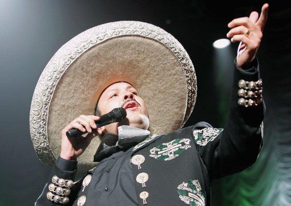 2011 Pepe Aguilar