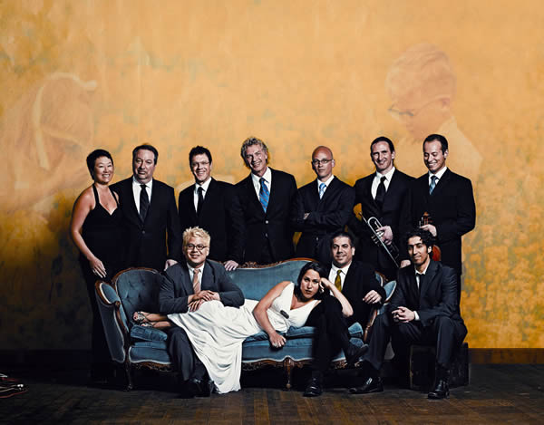 Show 2011 Pink Martini