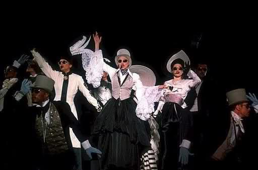 2011 Show Pronto