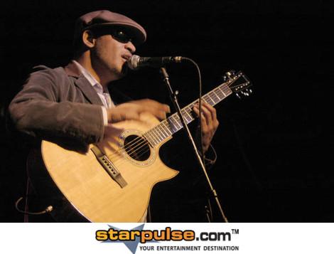 Raul Midon Seattle WA