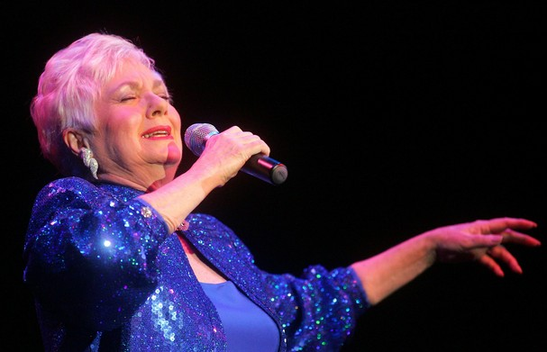 Dates 2011 Shirley Jones