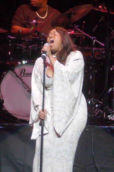 Dates Stephanie Mills 2011