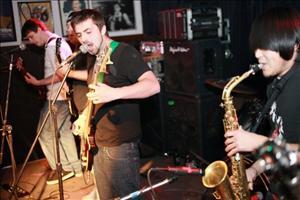 2011 Show Tropidelic