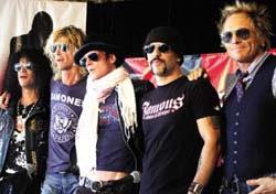 Velvet Revolver 2011 Show