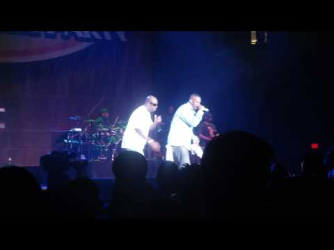 R. Kelly @ 106 KMEL Summer Block Party @ Oracle Arena N Oakland (8/28/09) - Snake