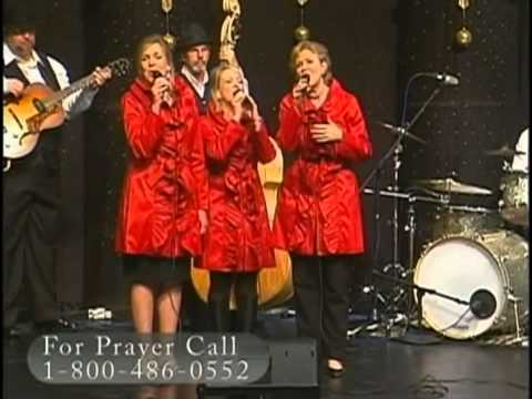 "Three Blonde Moms - ""Angels We Have Heard On High"""