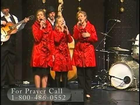 "Three Blonde Moms - ""Angels We Have Heard On High"""