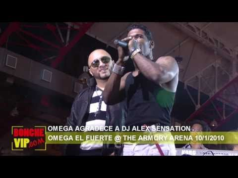 OMEGA AGRADECE A DJ ALEX SENSATION Y EL BOXEADOR JOAN GUZMAN EN TARIMA