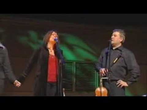 Altan and Mary Black: Green Grow The Rushes