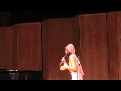"Lianah Sings ""Halo"" by Beyonce at Lincoln Center"