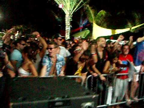 Oficial WMC Circoloco Pool Party 2010 - Last track by Timo Mass 26/03/07