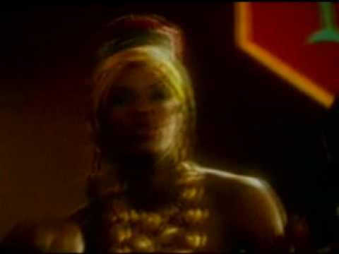 BENIN - Angelique Kidjo - Wombo Lombo