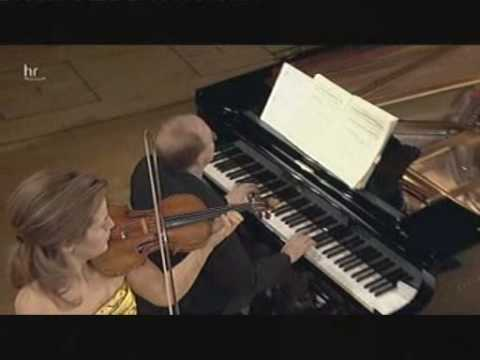 WA Mozart - (1/2) Violin Sonata No. 18 in G major, K. 301 - I. Allegro con spirito (Mutter/Orkis)