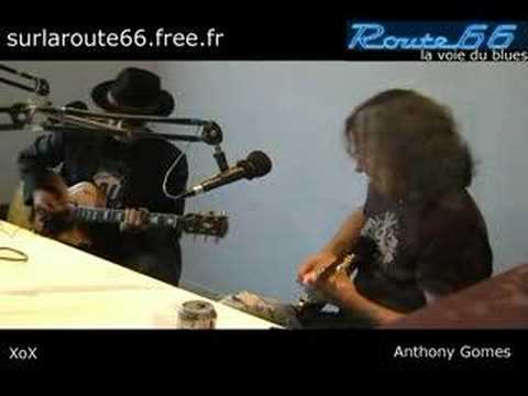 "Anthony Gomes & XoX - ""Everyday I`ve got the blues"""