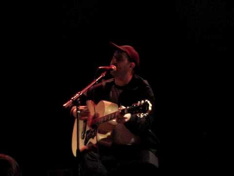 "Anthony Raneri of Bayside playing ""Sorrow"" acoustic"
