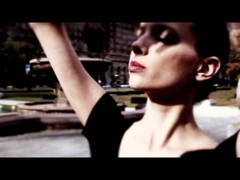 Robortom feat. Au Revoir Simone - `Paganini Rocks`