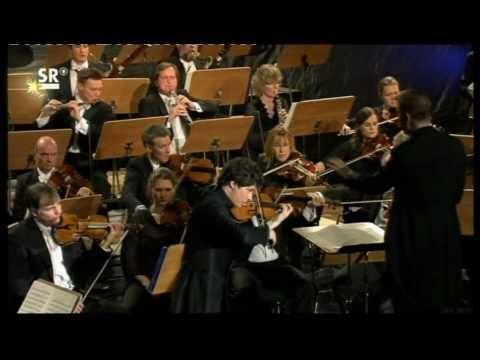 Augustin Hadelich - DVORAK CONCERTO Pt 2/3