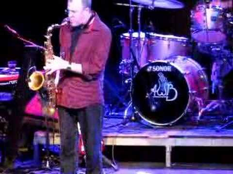 "Average White Band live - ""Pick Up The Pieces"""