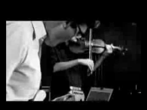 Bajofondo y Cerati - El Mareo - Lyrics