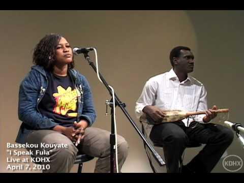 """Bassekou Kouyate """"I Speak Fula"""" Live at KDHX 4/7/10"""