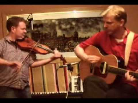 Scottish Fiddle: Alasdair White & Sean O`Donnell of Battlefield Band in the recording studio