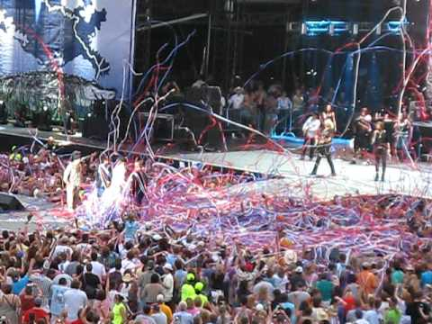 Brooks and Dunn - Only in America - Bayou Country Superfest (5-30-10)