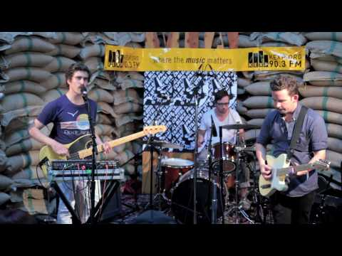 Bear In Heaven - Lovesick Teenagers (Live on KEXP)