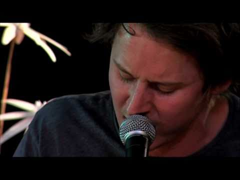 Ben Howard - Empty Corridors. Live @ Eurosonic-Noorderslag 2011